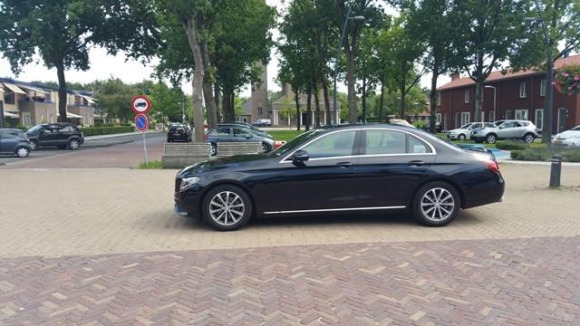 Taxi chauffeur Schiphol