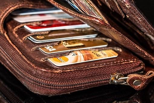 Betalingswijze Schiphol taxi creditcard, contant, ideal of op rekening rijden.